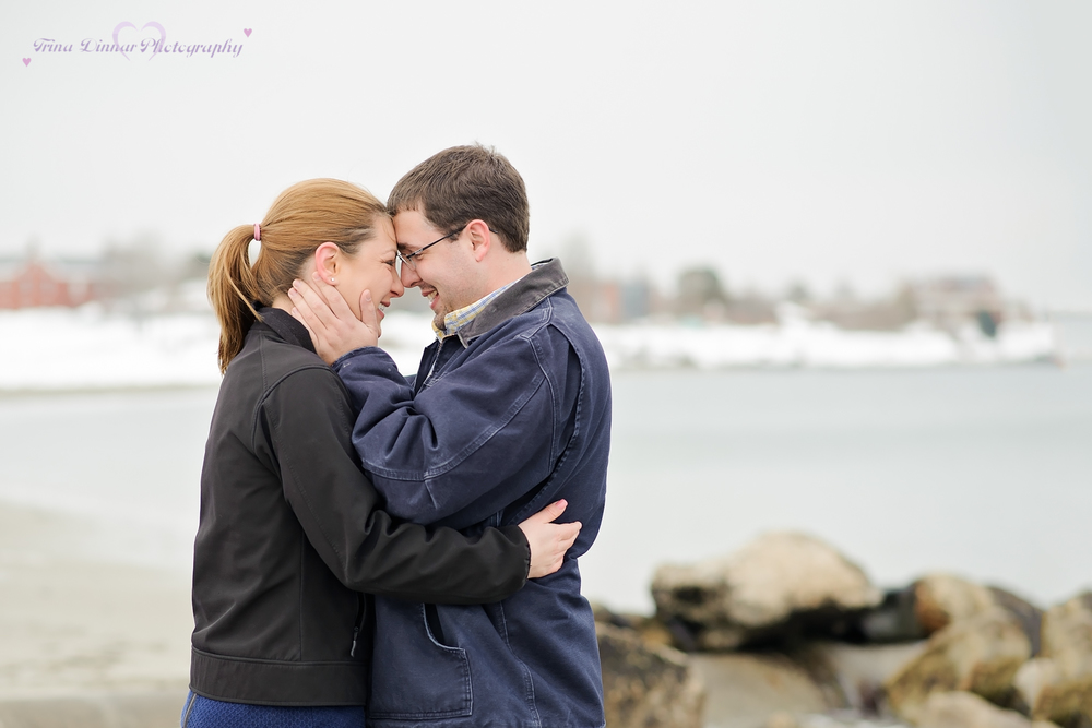 Amy and Eric have their engagement session on Willard beach