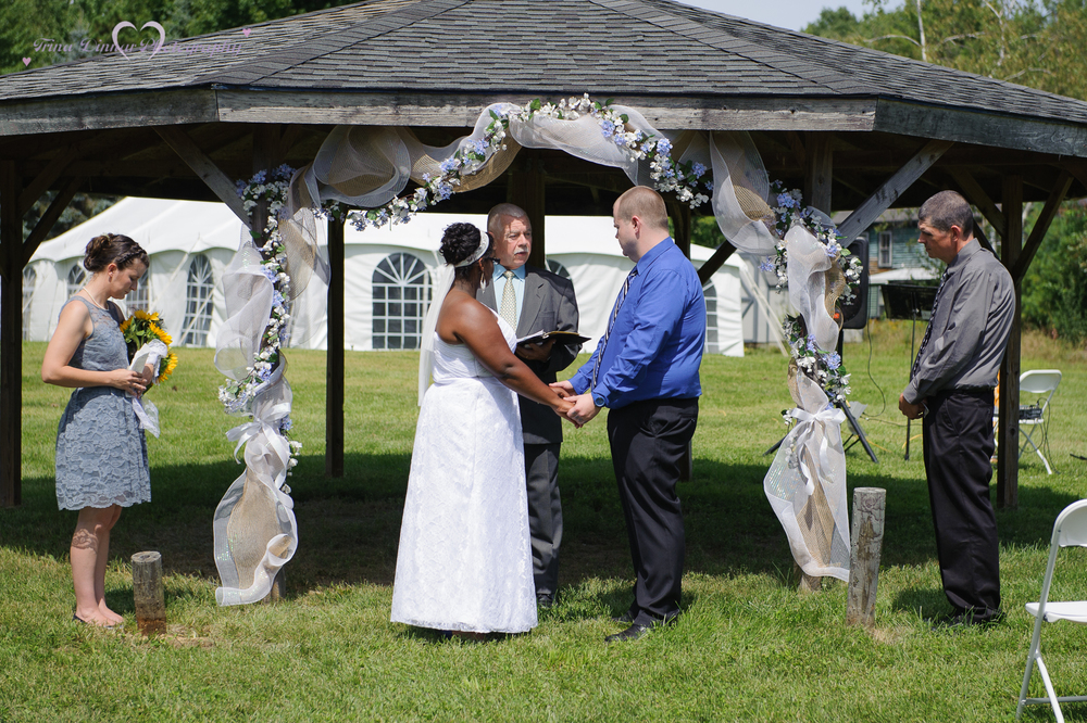 couple saying their vows
