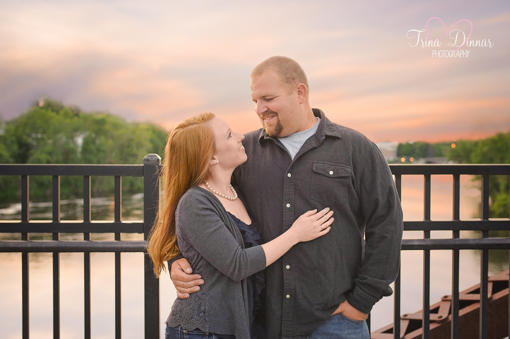 Maine wedding photographer, Trina Dinnar, photograph's a sunset engagement session.