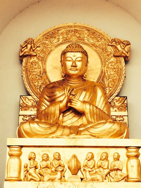 Buddha preaching the first dharma