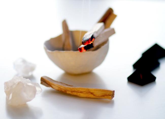 palo-santo-energy-clearing-ume-incense.jpg