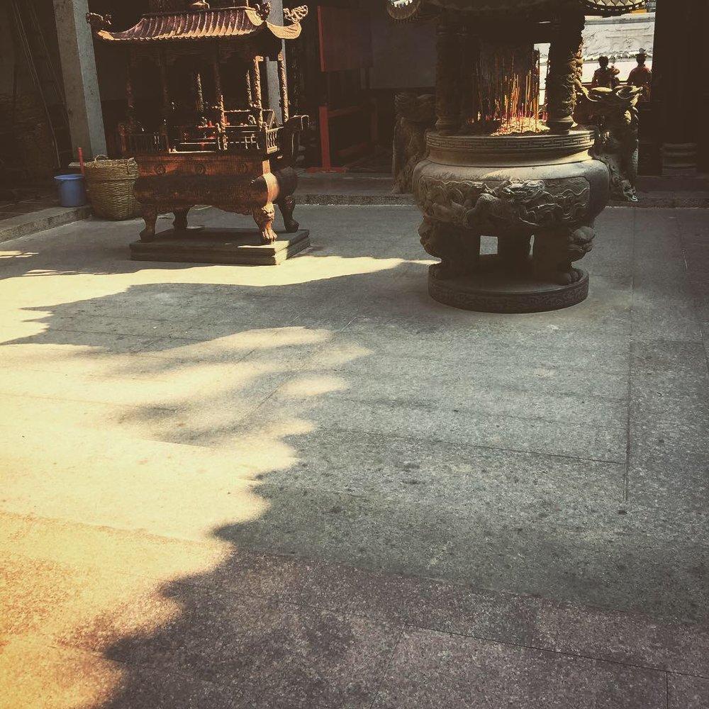 chinese temple vietnam 3.JPG