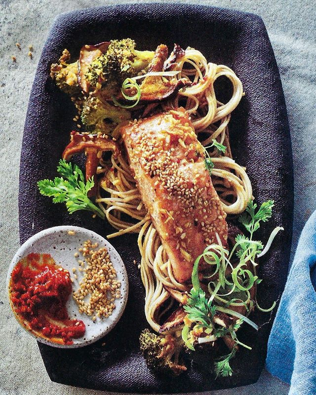 Love salmon ❤️ but feel like it's tricky to cook at home? I'm here to help! 🙌Check out my tips, tricks, & so-easy recipes for: - ✨Crispy Skin Salmon w Warm French Lentil Salad - ✨Sesame Ginger Salmon w Shitakes, Broccolini, & Soba Noodles - You'll learn how to get the crispiest skin w the silkiest finish...& be rocking out gorgeous, perfectly cooked salmon every time 🙌 Bonus! Not only is salmon an omega-rich, super-healthy food, it's also 0 Points! - In the Jan/Feb issue of WW Magazine - Photos by WW #cookingwjulie #salmon #ww #wwfreestyle #smartpoints #easyrecipes #healthyrecipes #wellnessthatworks #healthyish #cookingclass #wwmoms #thenewhealthy #food52 #hoboken #nycfoodie #asburypark #cheflife