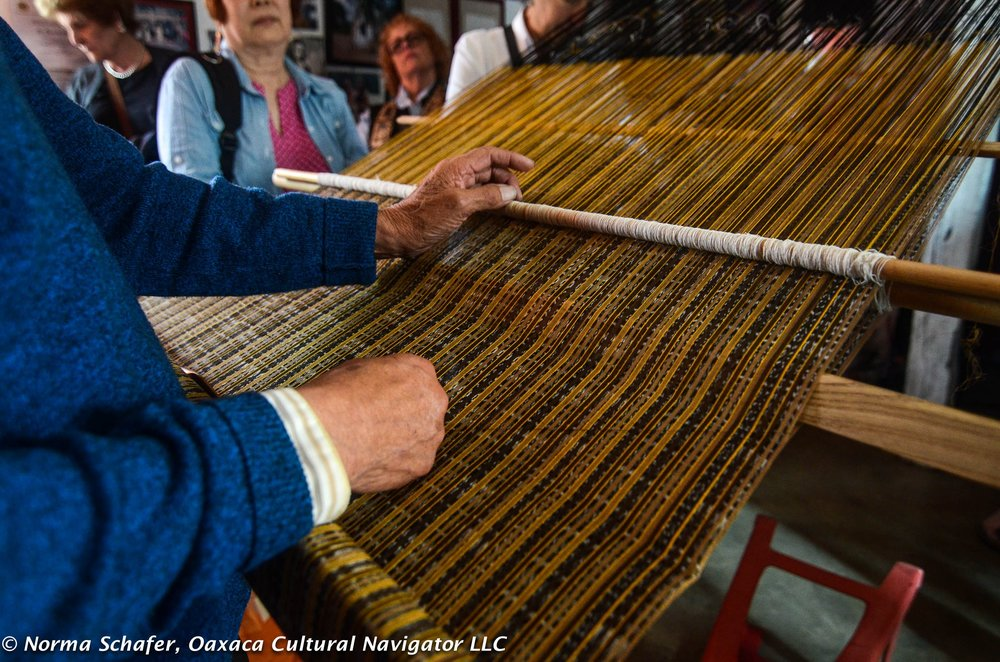 Don Evaristo Borboa, master rebozo weaver of Mexico. http://oaxacaculture.com/2017/02/rebozo-weaving-technology-in-mexico-how-to-make-an-ikat-shawl/