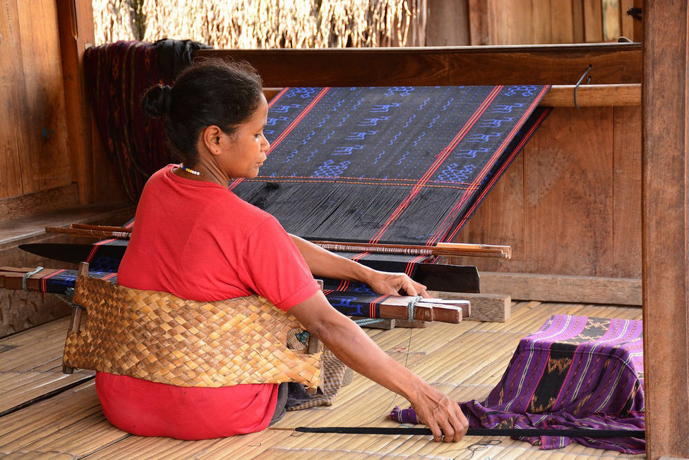 Image by Paul Arps.  Ikat weaving in Bena indigenous Ngada village (Flores, Indonesia 2016)   https://www.flickr.com/photos/slapers/30039197170
