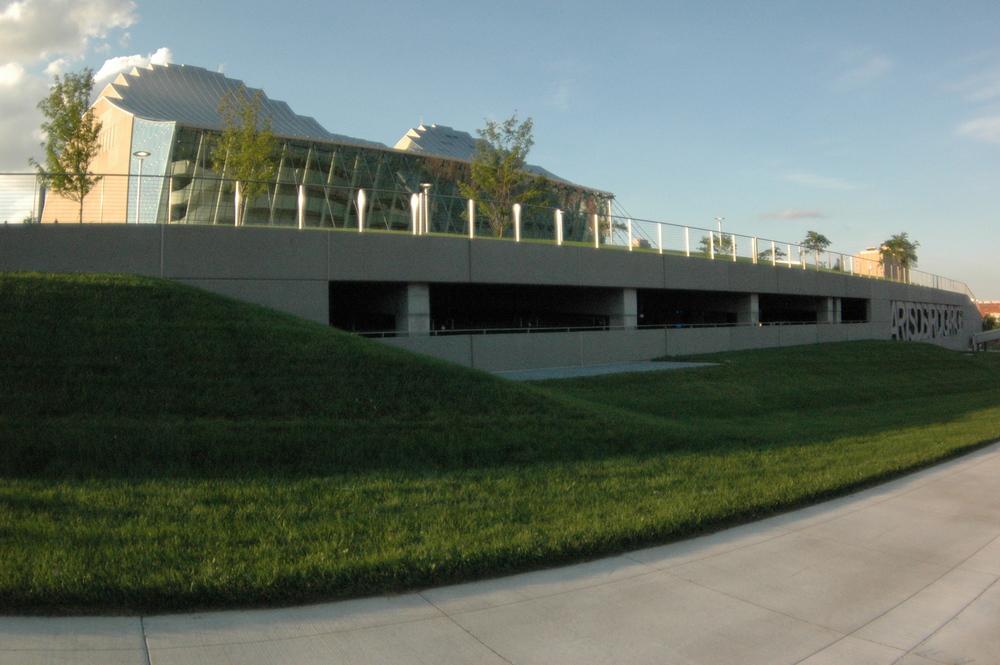 Kauffman Center Parking Garage.JPG