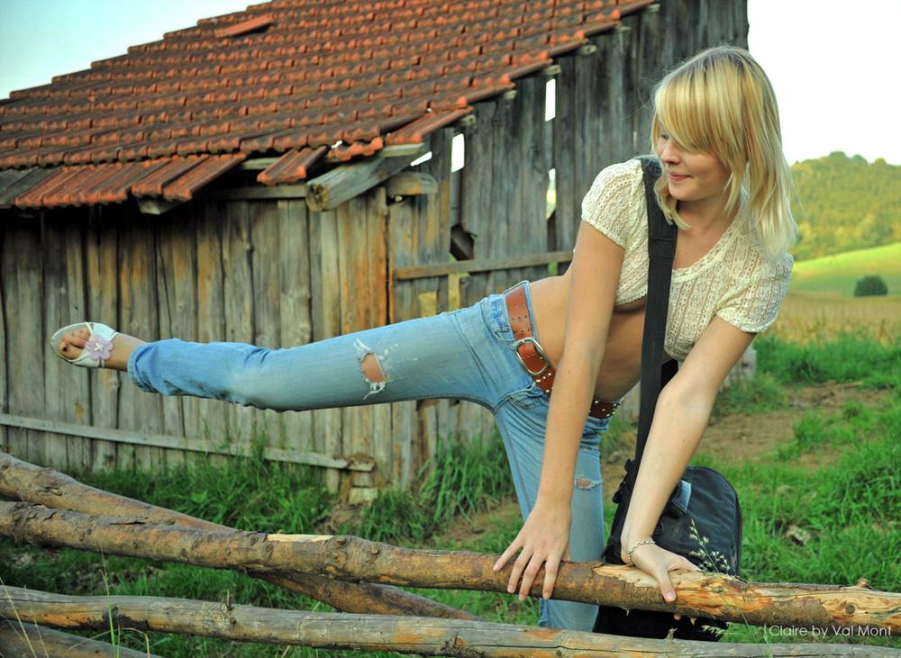 """Claire (aus ihrem Bilderset """"Road Trip"""" auf girls-mag.de)"""