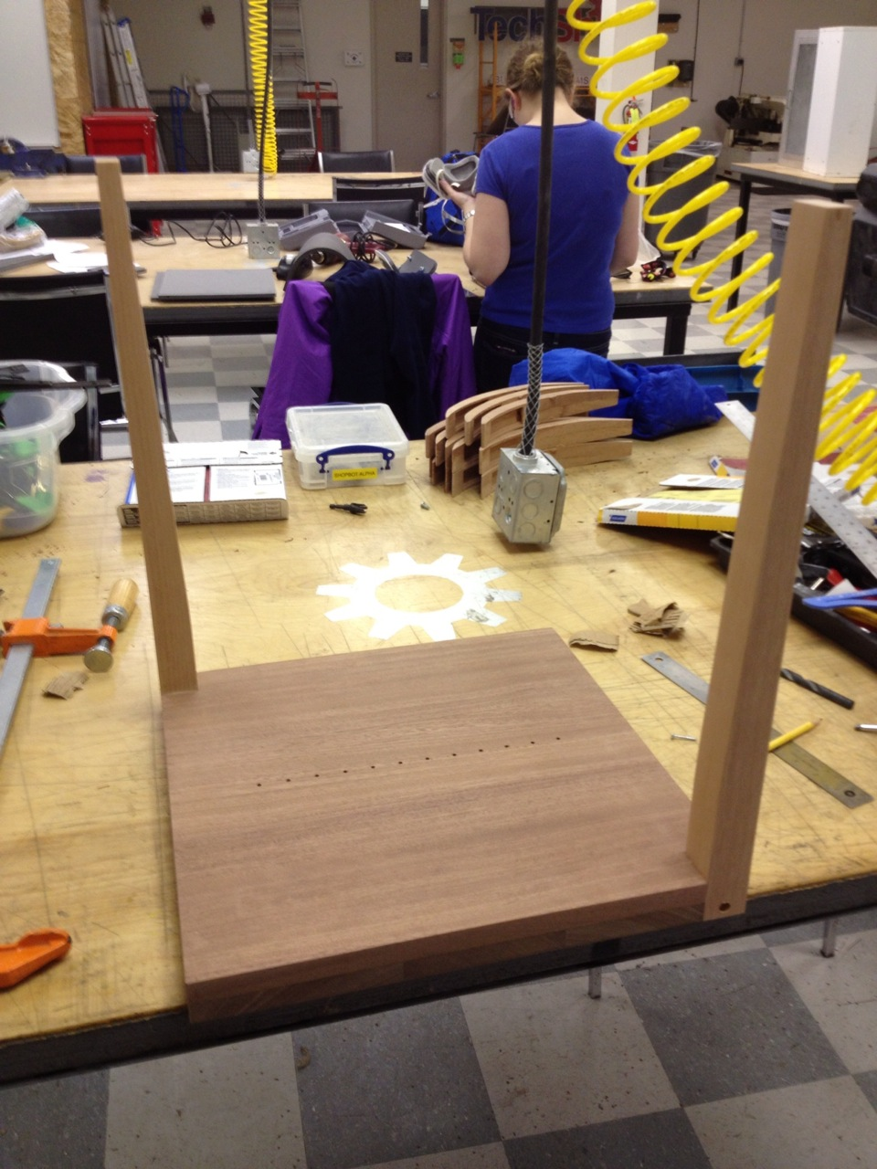 The table base and legs before receiving their coat of polyurethane