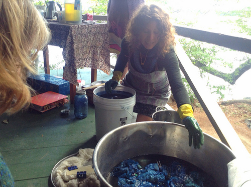 Teaching a 1-2-3 Indigo Vat at Squam Art Workshop 2013   photo by  Bonnie Sennott