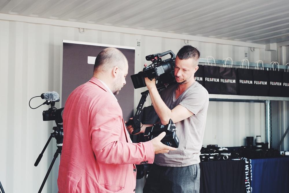 Fotografen JH Engström kom förbi och fick en titt på Sonys FS7 med Anders.