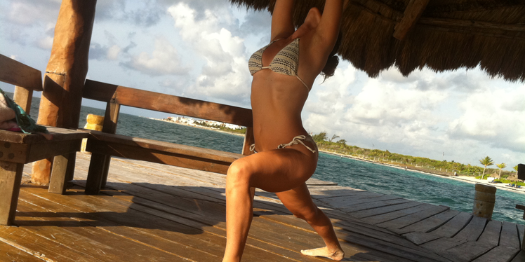 sarah-willis-yoga-tulum-retreats-long.png