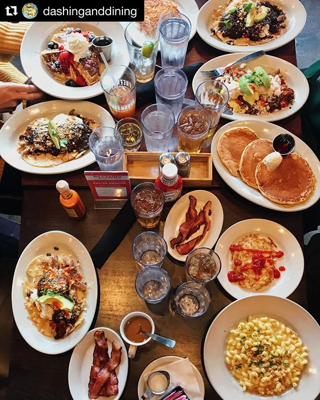 """Plans this weekend? Make sure our brunch is on your """"to-do"""" list ✅ #Repost @dashinganddining ・・・ #thelowry #uptownminneapolis #brunch #brunchwithus #happyeats #weekendplans #weekendyet"""