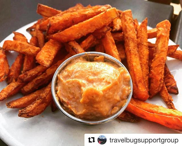 Sometimes we make mistakes 🤦🏻‍♀️ (like removing sweet potato fries from our menu). But they're back. And you were right... we missed them, too! ・・・ All is right in the world again. Thank you @thelowryuptown for bringing back the sweet potatoes fries and crack dip. . . . #sweetpotato #fries #eat #eatminneapolis #letseat #food #foodie #foodies #foodiemn #foodblogger #foodporn #foodstagram #foodlover #foodphotography #ilovefood #restaurant #minneapolis #mnfoodie #tcdining #instafood #getinmybelly #mplseats #minnstagramers #eatlocal #onlyinmn #twincitieseats #mplsfoodie #travelbugsupportgroup