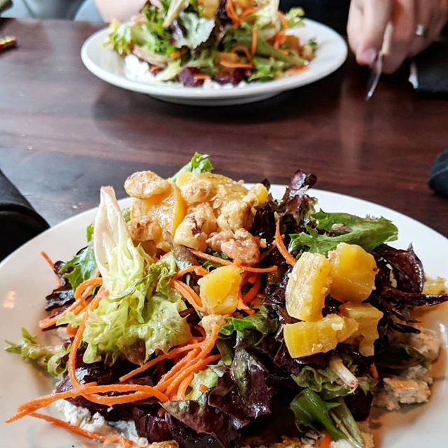 When the weather gets warmer, it becomes an heirloom beet salad kind of a day. 📸: @fumshk  #foodieapolis #uptownmnpls #uptownmn #greens #saladmaster #lowrymn #foodporn