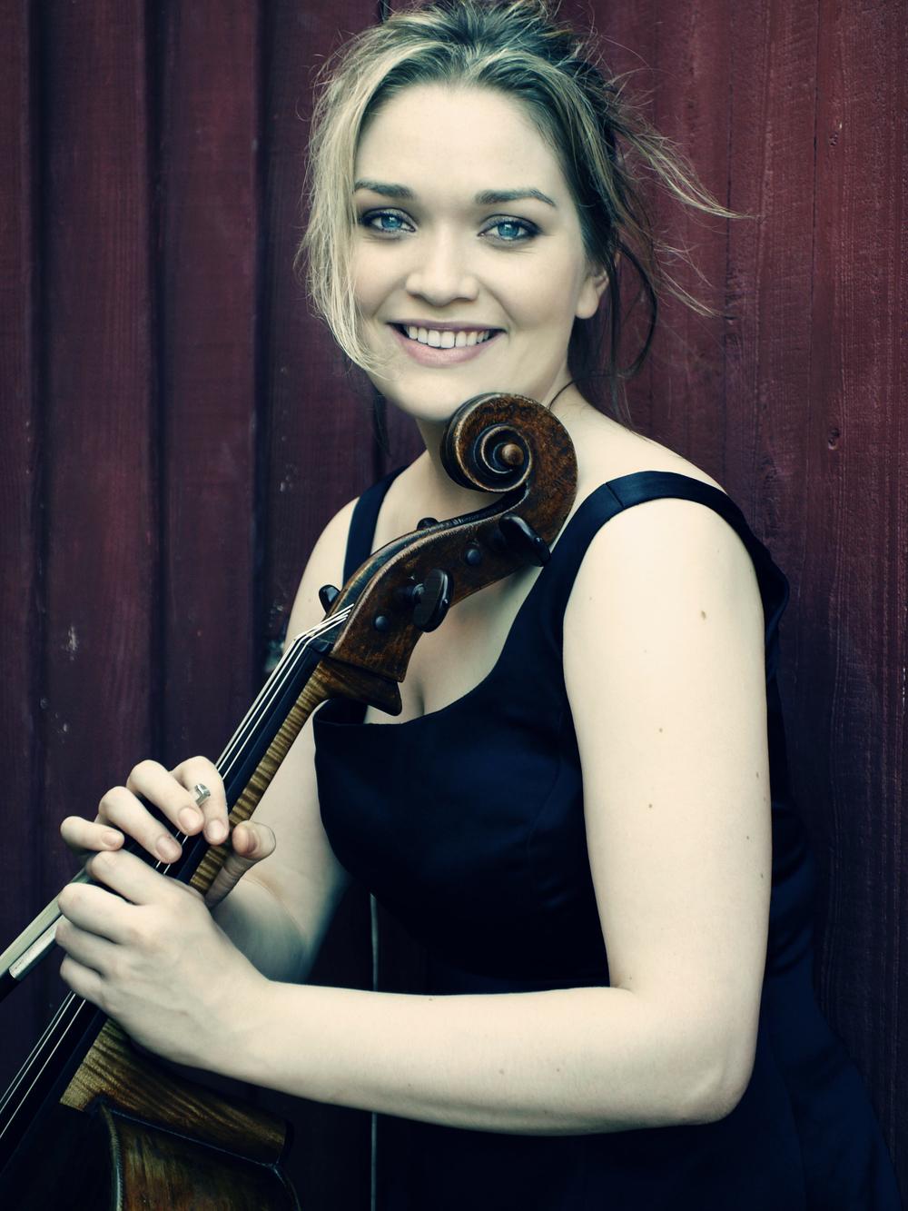 Sæunn Thorsteinsdottir, cello