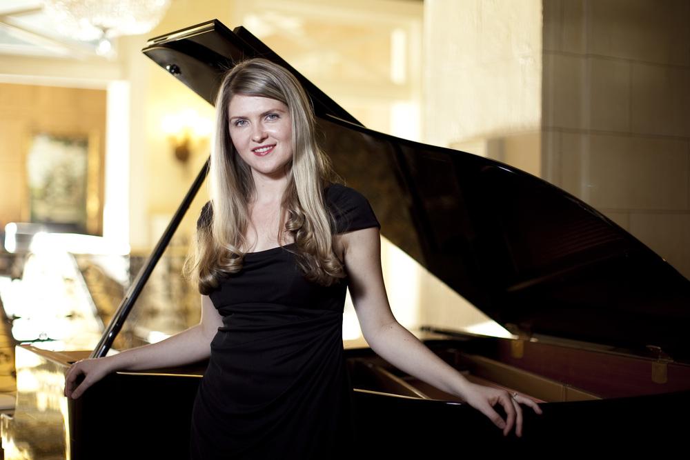 Angelina Gadeliya, piano