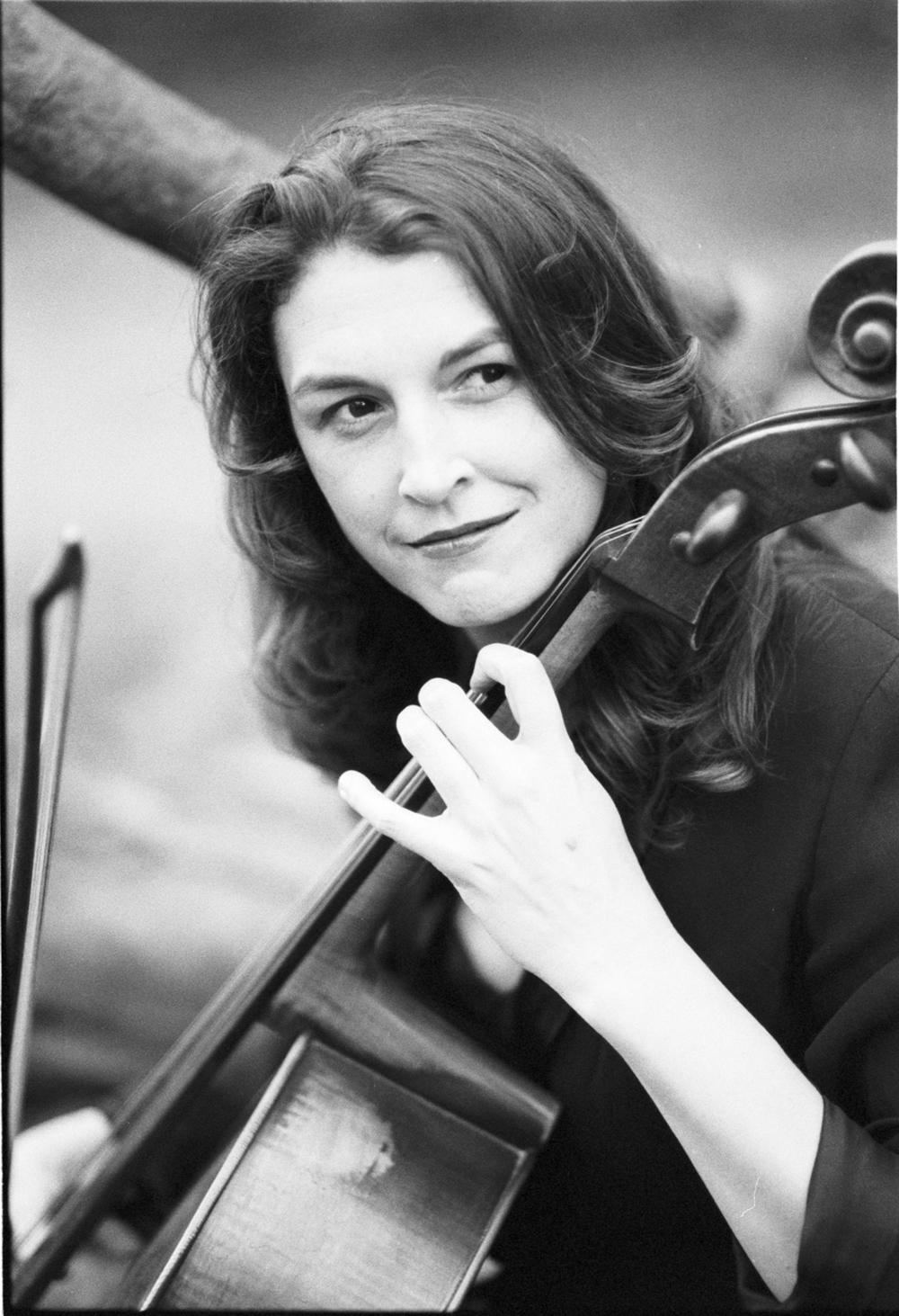 Claire Bryant, cello