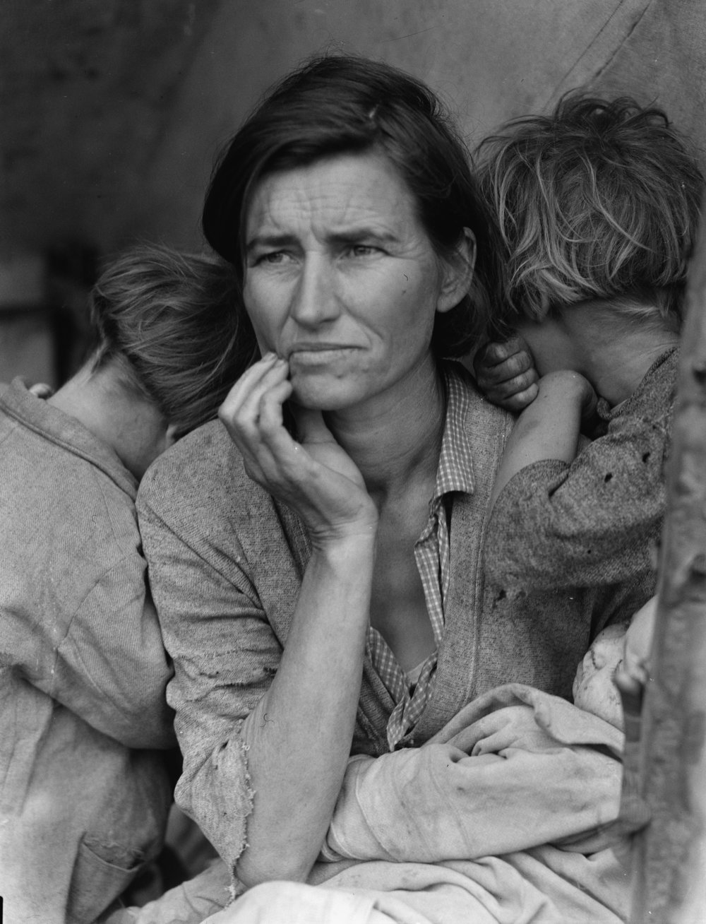 Video of Beverly Brannan from the Library of Congress telling t he story behind Dorothea Lange's famous photograph, the Migrant Mother , taken during the Great Depression.