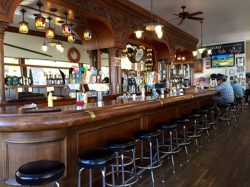 the bar at Pier Chowder House and Taproom