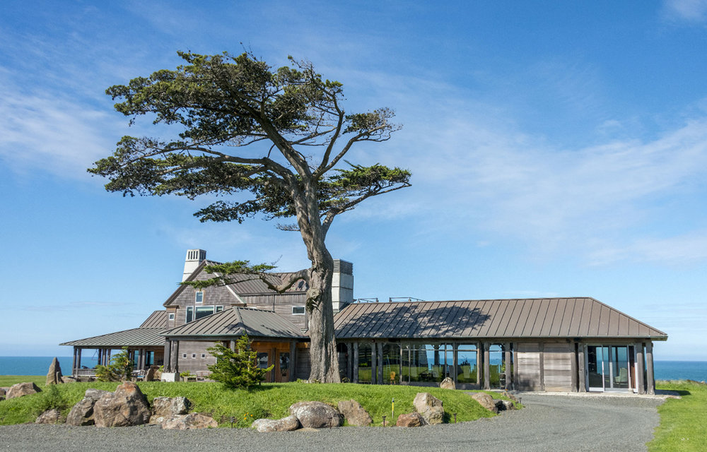 The Inn at Newport Ranch next to the ocean under a sunny sky