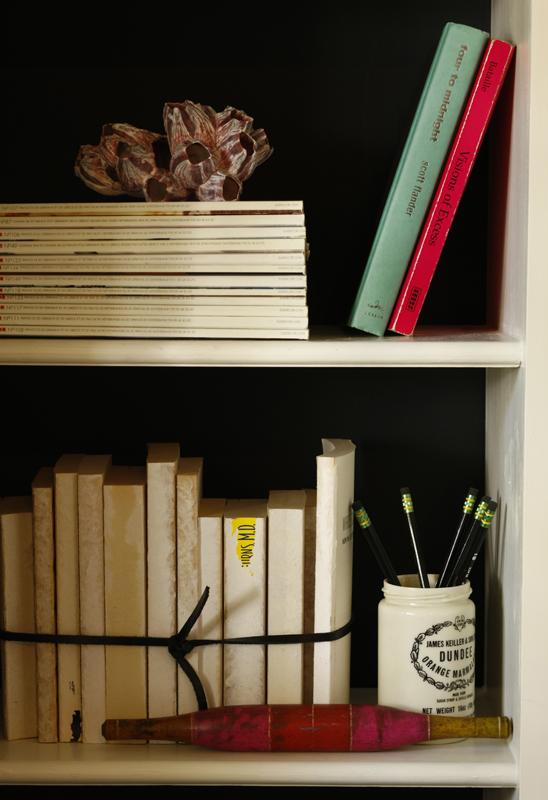 Living Room Shelf Detail_0637 FINAL.jpg