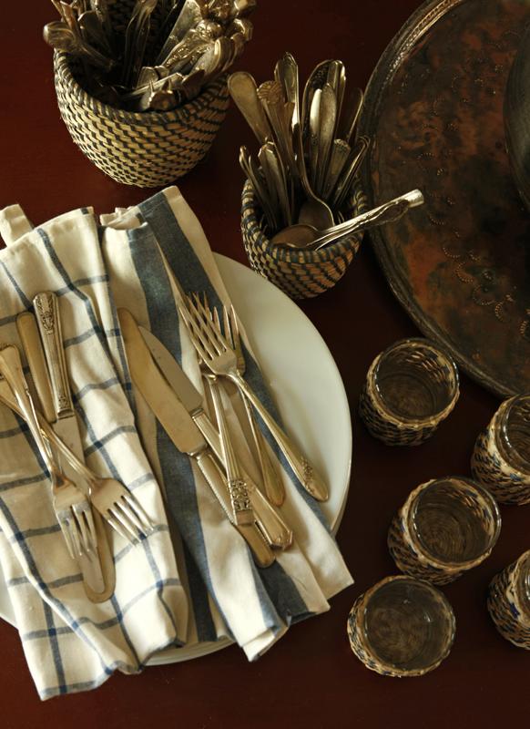 Dining Room Table Detail_0698 FINAL.jpg