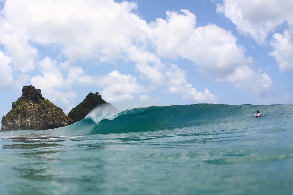 Fernando-de-Noronha-Luxury-surf.jpg