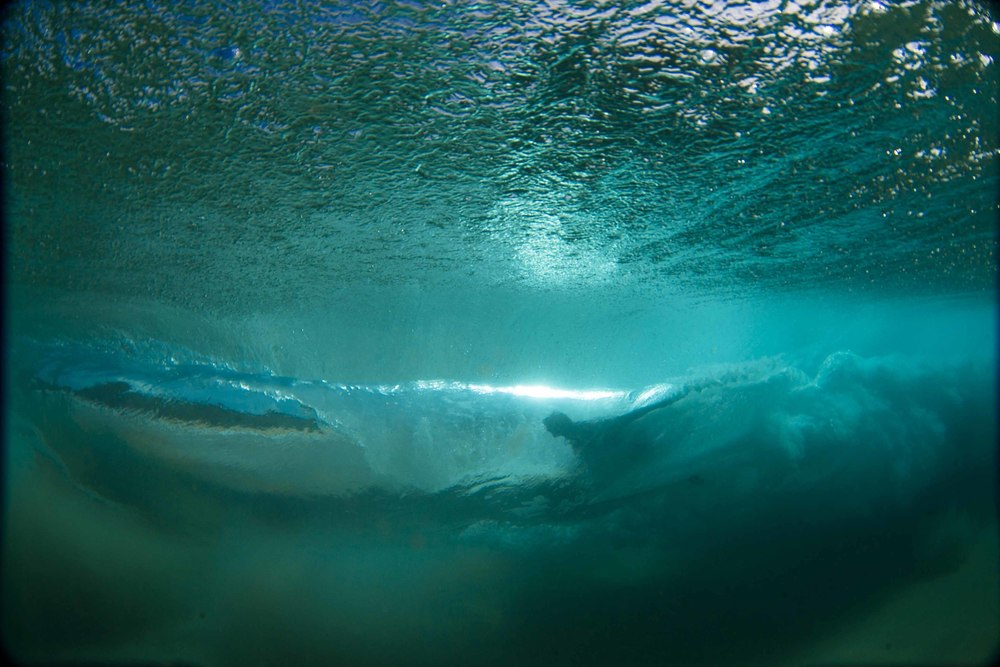 luxury-surf-underwater.jpg