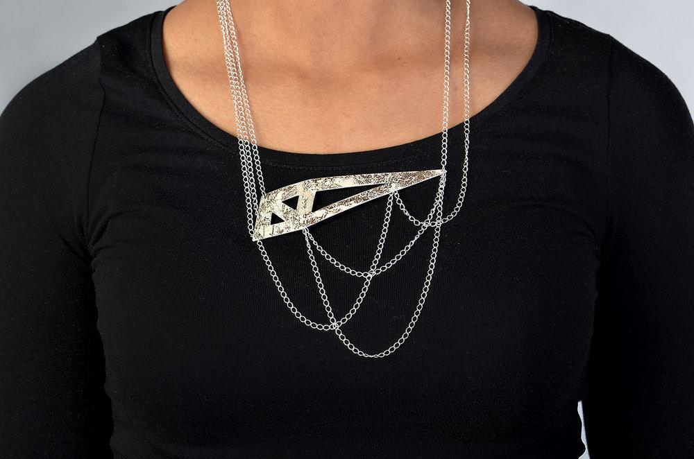 necklace  - vaz.jpg