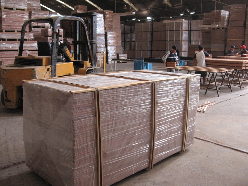 Unfinished Santos Mahogany pallet shipping from Peru