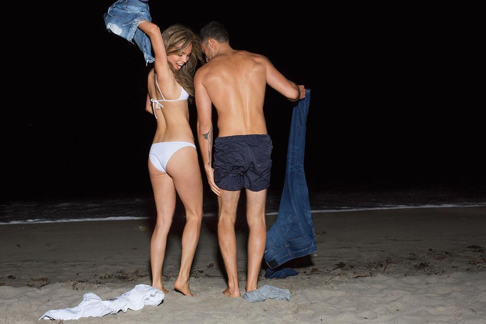 L_Artz_couple_beach.jpg