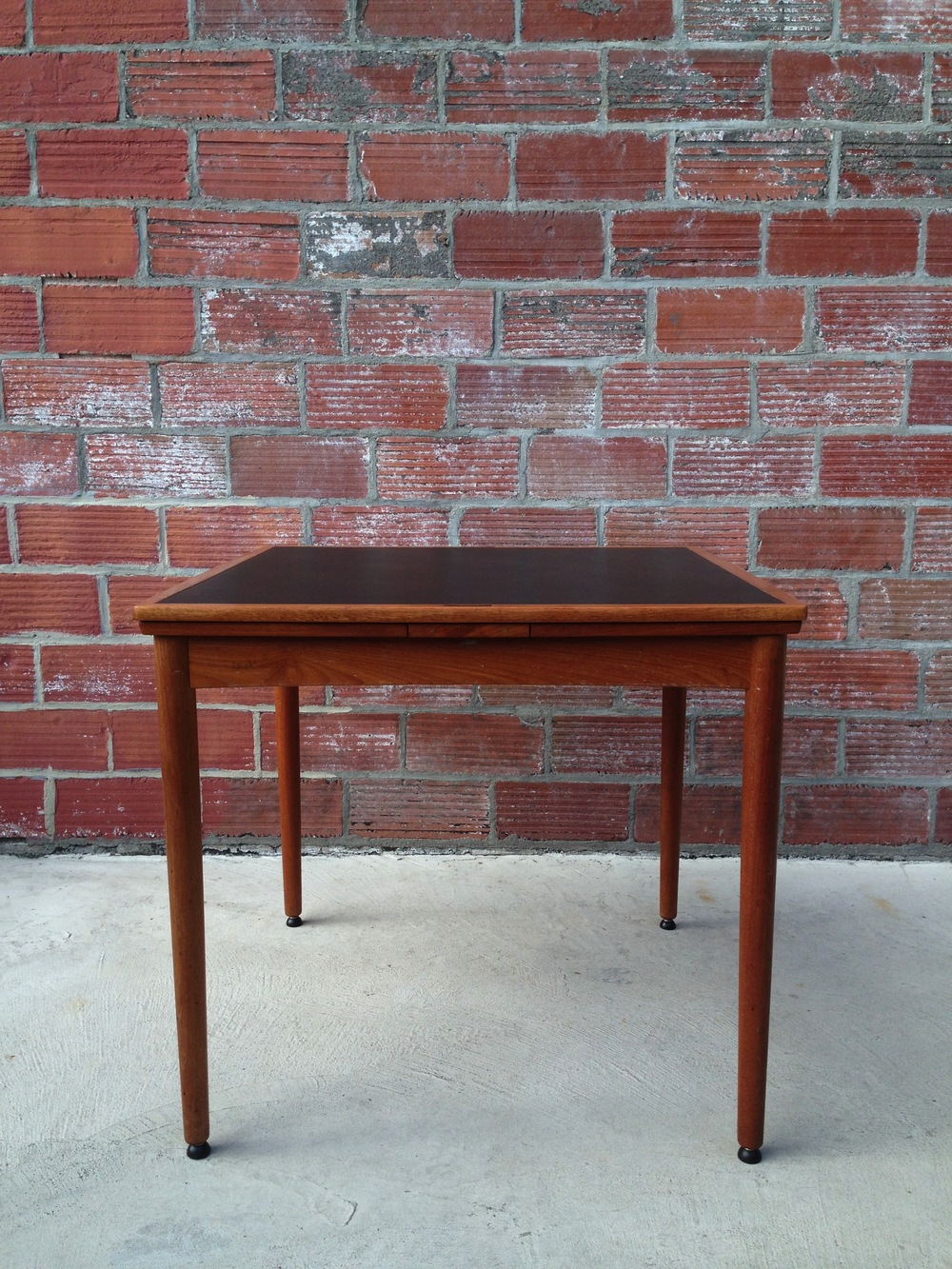 Poul Hundevad Game Table
