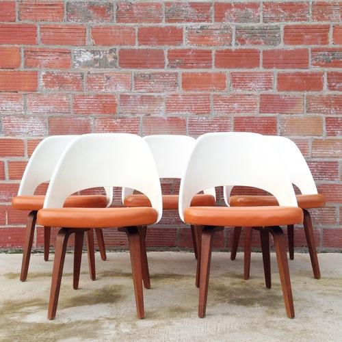saarinen executive armless chairs oak street vintage