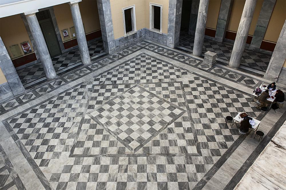Tiziano.Caffi_laSilenciosaCrisisGreca-3.29.jpg