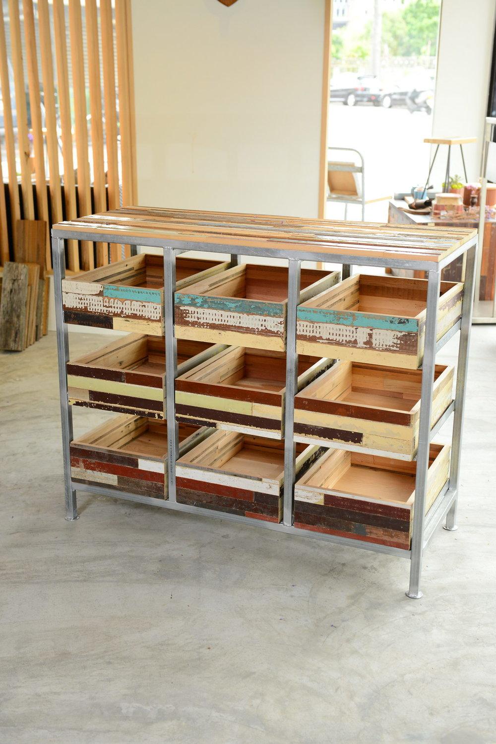 SH-I-06 calvi mix-style cabinet 台灣檜木  size 112*45*h92 NT 34,000 (未稅) 已售出、已停產