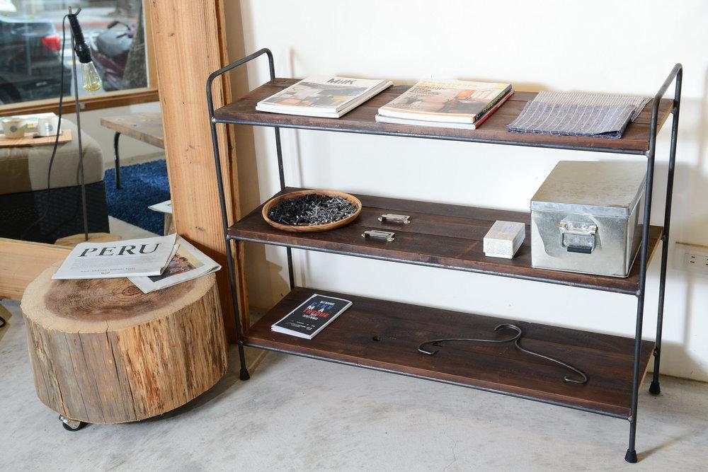 SH-I-02 Barth cupboard 台灣檜木或是(木母)木 x 金屬黑鐵  (木母)木size 長90*h80*d30 NT 7,600 (未稅)