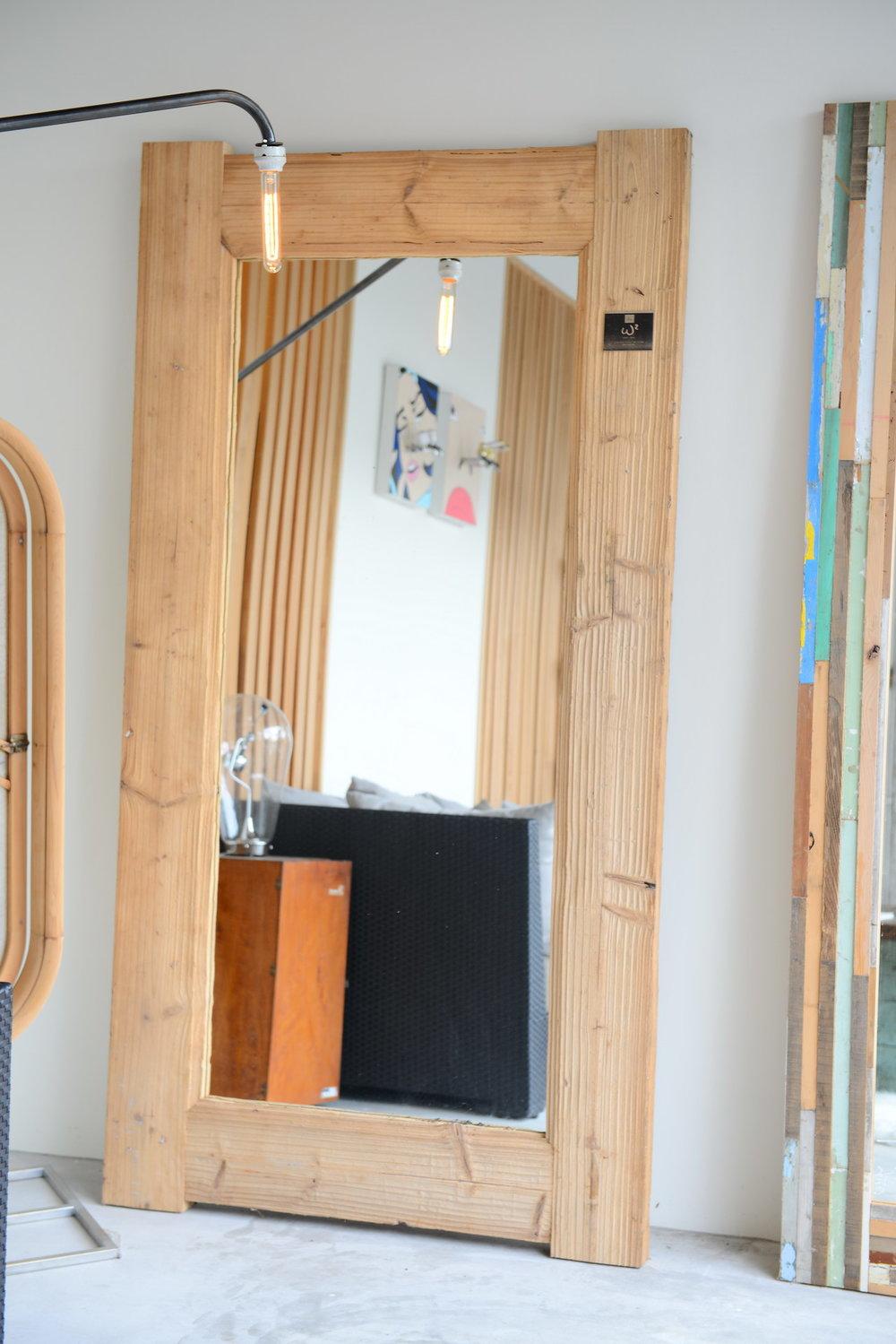 MI01 Bristol fir mirror 台灣杉木  size 200*104 NT 23,000 (未稅)已售出/已停產