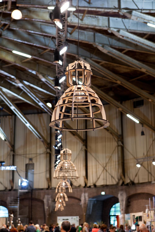 Olaf Weller maakte de lamp No.19XL van Het Lichtlab. Het is een abstractie van de bekende vorm van grote industrielampen.Ook te zien in de gashouder.