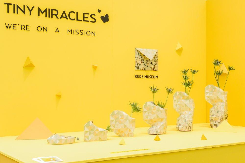 Pepe Heykoop's Tiny Miracles maakte een mooie presentatie van zijn vouwvaas, deze keer met patroon uit de collectie van het Rijksmuseum.