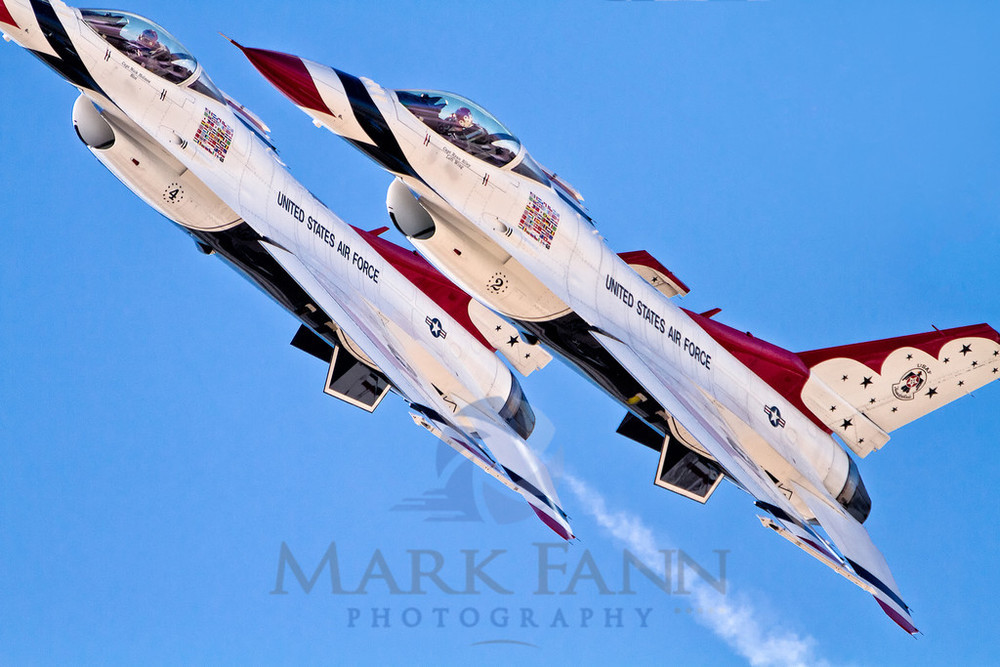 A F-16 Thunderbird Photo