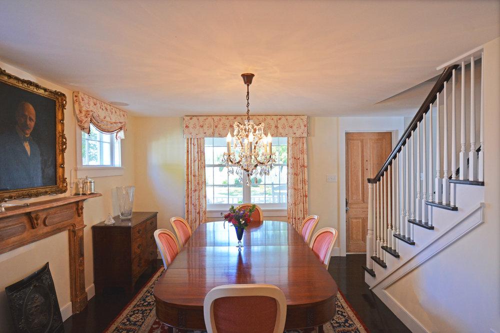 interior dining room.jpg