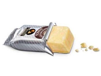 Kde: Taliansko O čo ide: Namiesto McDonald's v McDonald's v Taliansku môžete dostať takýto zabalený syr Parmesan.
