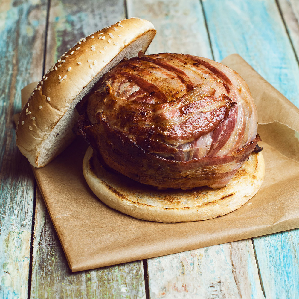 Posledným špeciálom v roku 2015 bol burger ako sa patrí: Royal Lucy - štedrá porcia hovädzieho mäsa, cheddaru a prémiovej slaniny, podávaný s Jameson BBQ omáčkou.