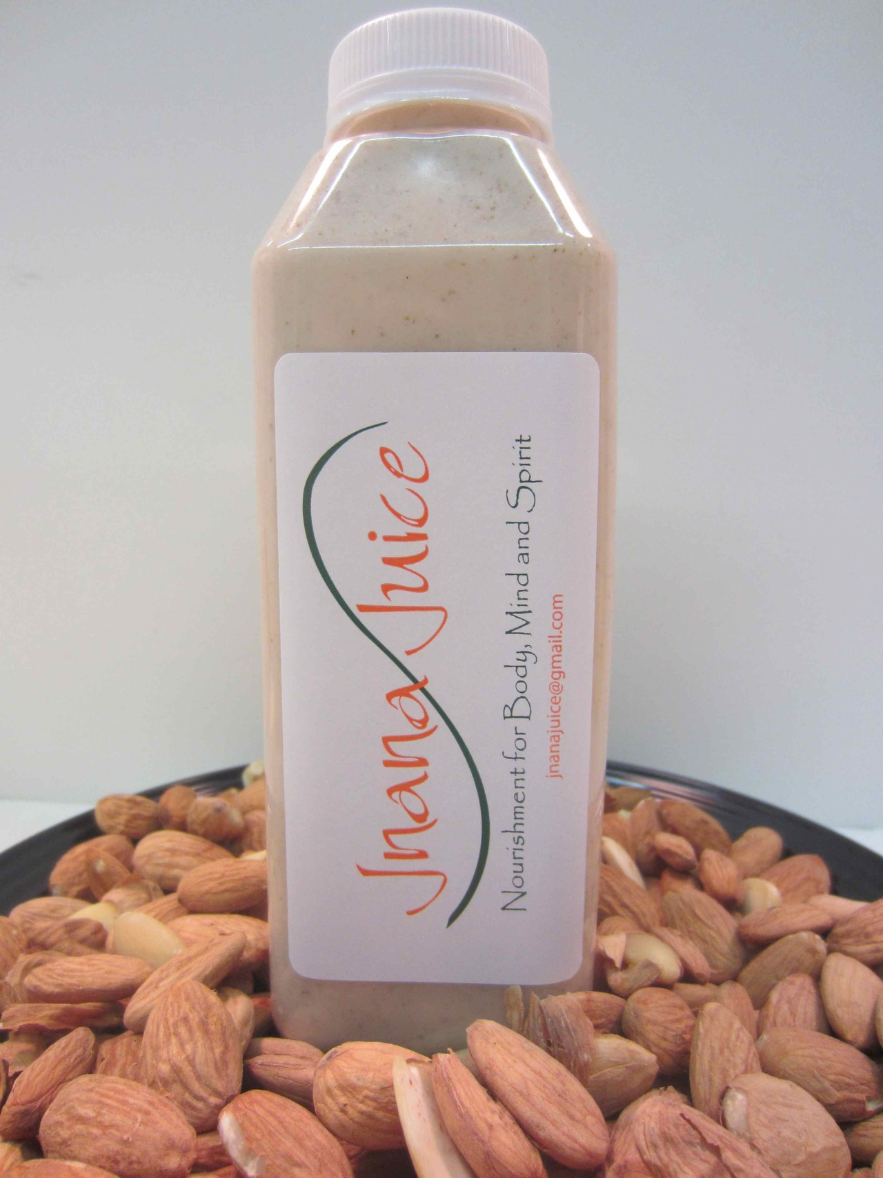 Grab a Jnana Organic's Blended Chia Almond Mylk for energy on the go!