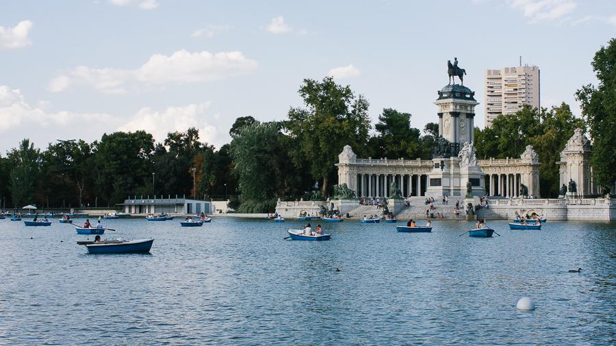 Parque del Buen Retiro (Park of the Pleasant Retreat)