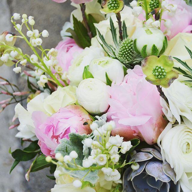 Welcome sweet #Spring! We have been longing for you.... . . . #dogwood #peonies #lillyofthevalley #ranunculus #springwedding #weddingflowerinspo #springequinox #springbouquet #springflowers #weddingbouquet #newyorkflorist #seasonalflowers #fortheloveofflowers #instaflowers #floralinspo #modernwedding #florist #floraldesign #seekinspirecurate #ihavethisthingwithflowers #pursuepretty #inspiredaily #bloooms #underthefloralspell #dspink