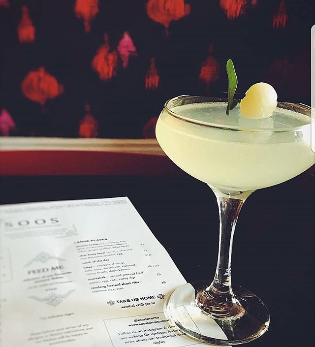 Enjoy a cocktail or three tonight with some Malay plates after work! Happy Friday! 📷: @socialeatsto  #friday #friyay #TGIF #cocktails #ossington #soos #soostoronto #reimagining #malaysian #streetfood #malaysianfood #ossington #torontoeats #torontofood