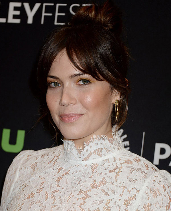 Mandy Moore in Enamel Shirley Spear Earrings