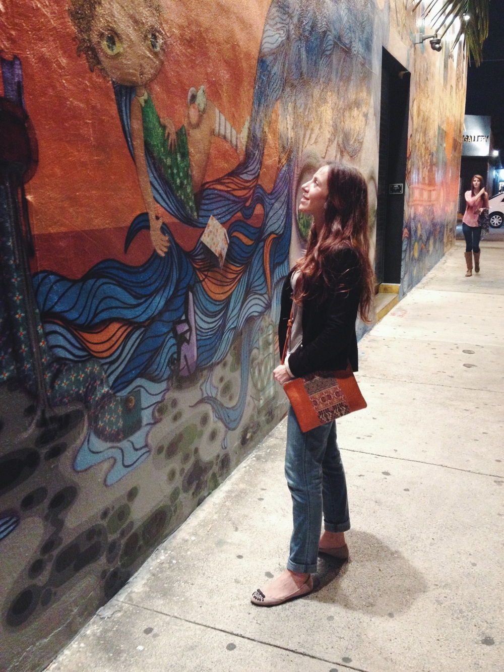 NATURAL CROSSBODY/CLUTCH // Wynwood Walls