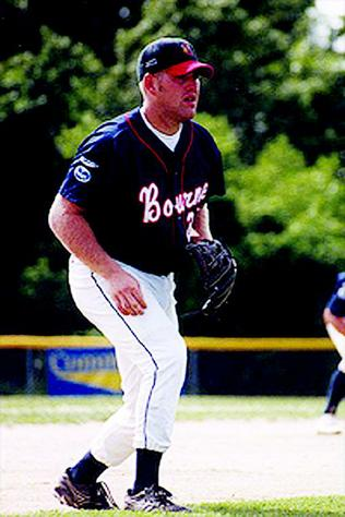 Kevin Youkilis played for the 2000 Bourne Braves.